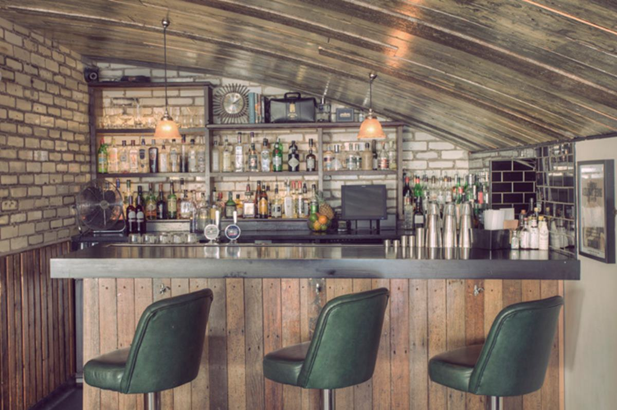 Gin parlour business hire gorilla manchester for Small cafe bar design