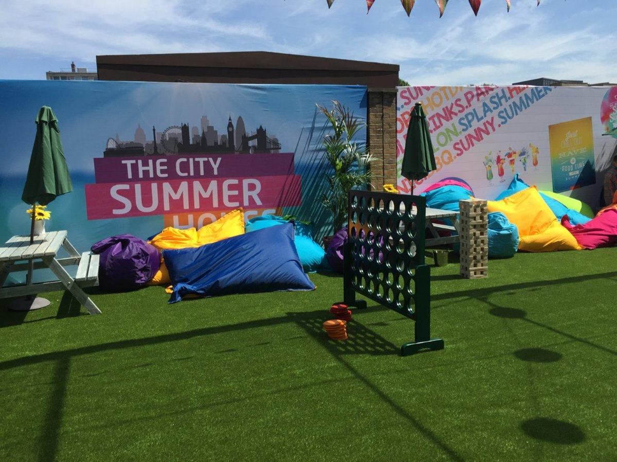 Summer party centre stage package the city summer house for Garden pool hire london