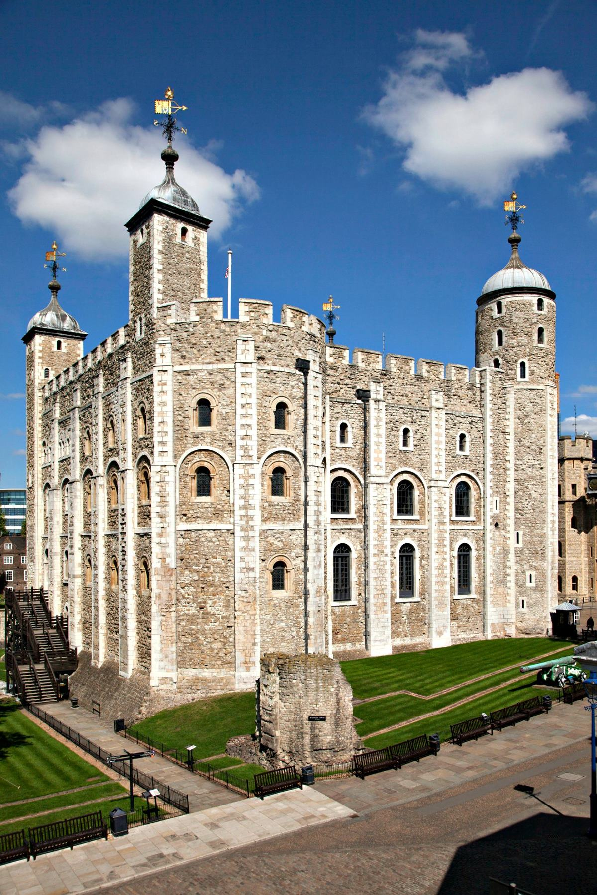 the historical significance of the tower of london A collection of history and stories associated with the tower of london.
