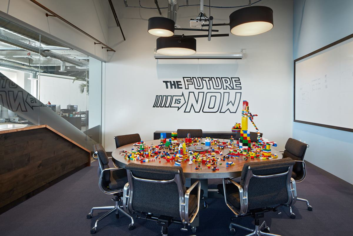 This lego work-meets-play room