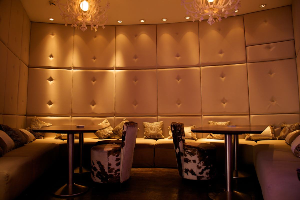 diamond bar chat rooms Forums & chat help & advice black diamond features beautiful spacious rooms and masculine black diamond bar and restaurant while black diamond lodge.