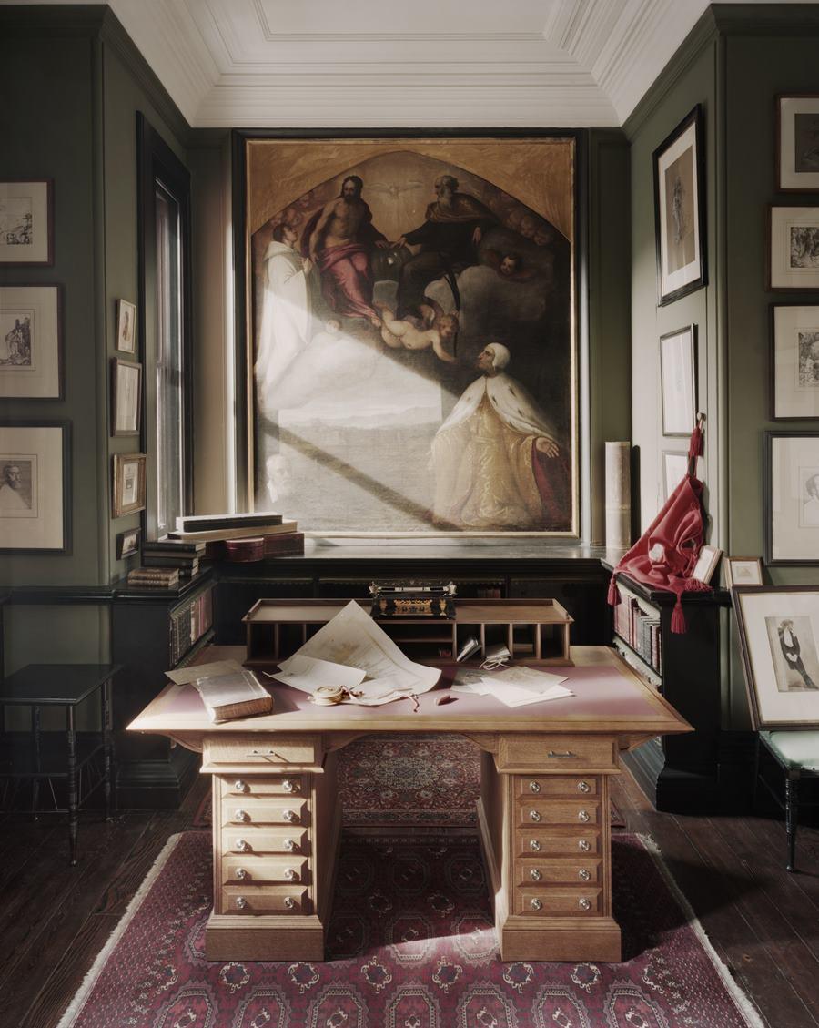 Button Leighton House Museum
